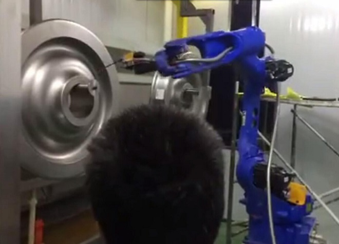 现有的高铁车轮喷涂装置.jpg