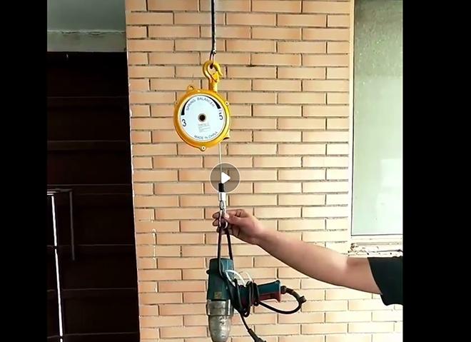 弹簧平衡器的使用视频截图.png